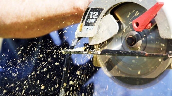 How to Sharpen a Circular Saw Blade with a Dremel