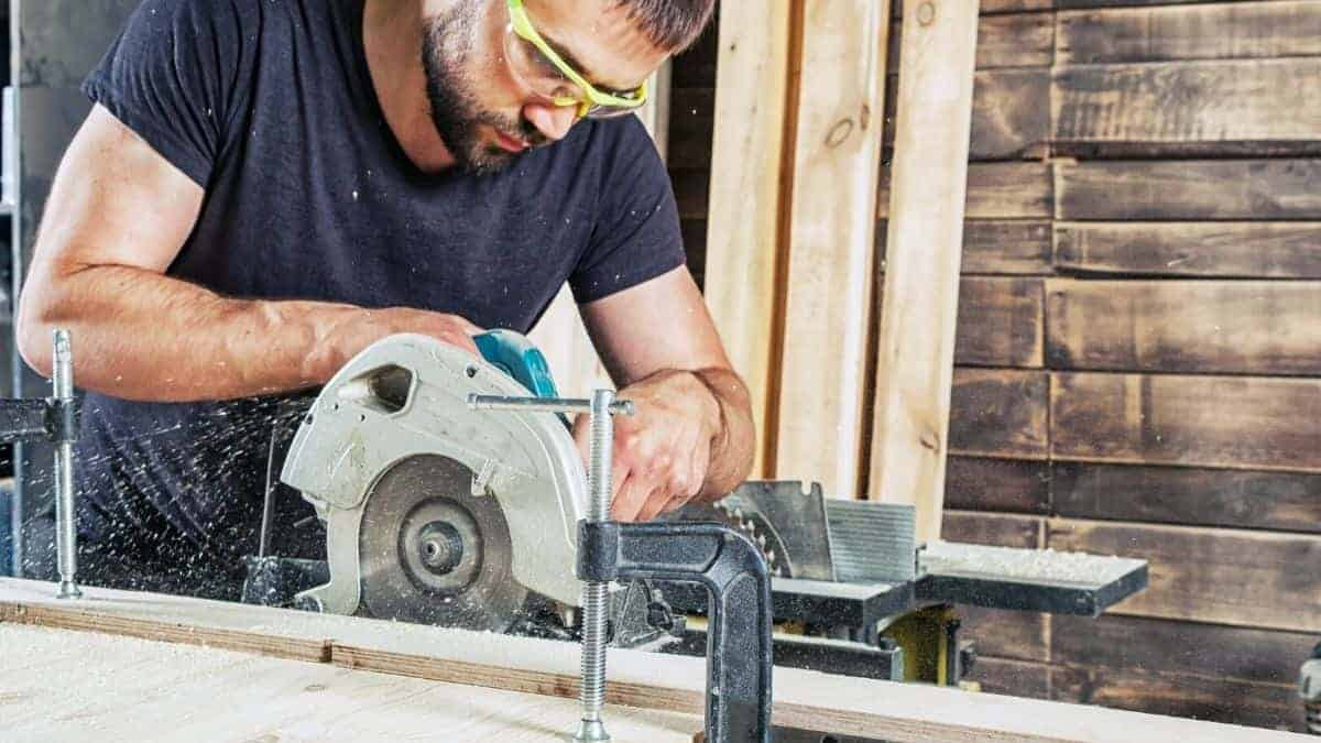 How to Sharpen a Large Circular Saw Blade by Hand